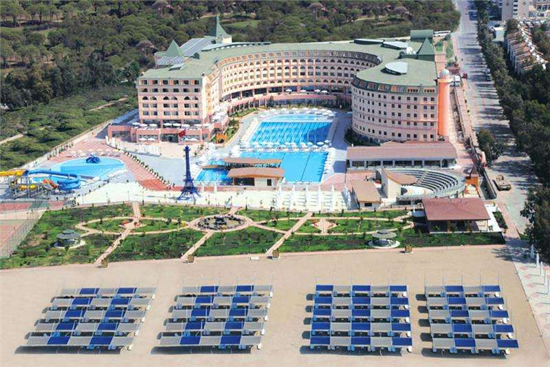 Bayar Family Resort Hotel & Spa